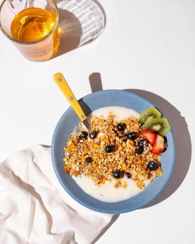 Granola endulzada con XILITOL 🌱  Lo probaste en tus comidas? Sabes los beneficios que aporta?   Decile CHAU al azúcar ☺️